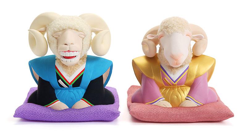 羊イラスト 未イラスト 和服姿で正月の挨拶をする笑顔のヒツジ